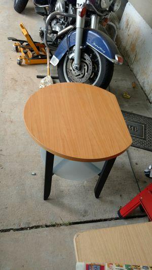 Nice little side table 20 bucks for Sale in Rockville, MD