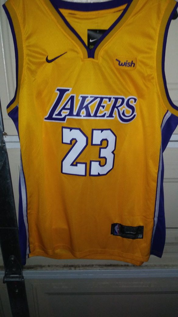 5805be866 Lakers LeBron James jersey size 52 for Sale in South Gate