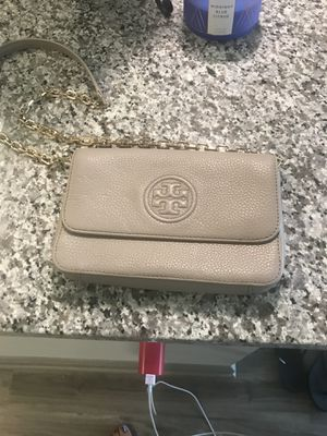 Used ONCE Tory Burch purse!! for Sale in Cleveland, OH