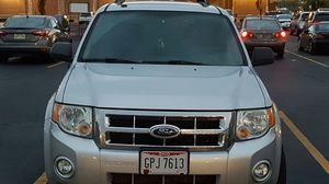 FORD ESCAPE 2009 XLT for Sale in Columbus, OH