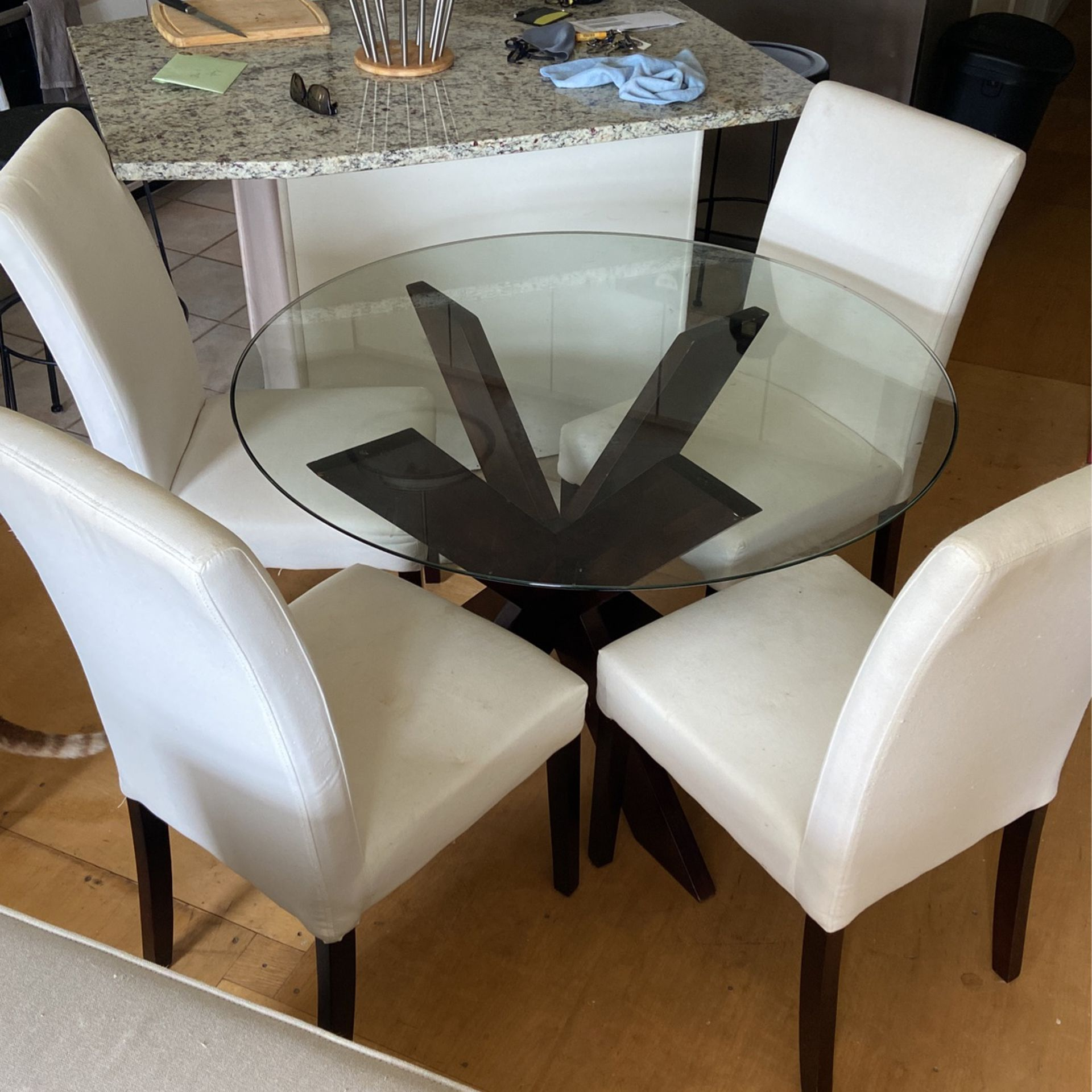 Glass Kitchen Table With 4 Chairs For, Used Dining Room Chairs Chicago