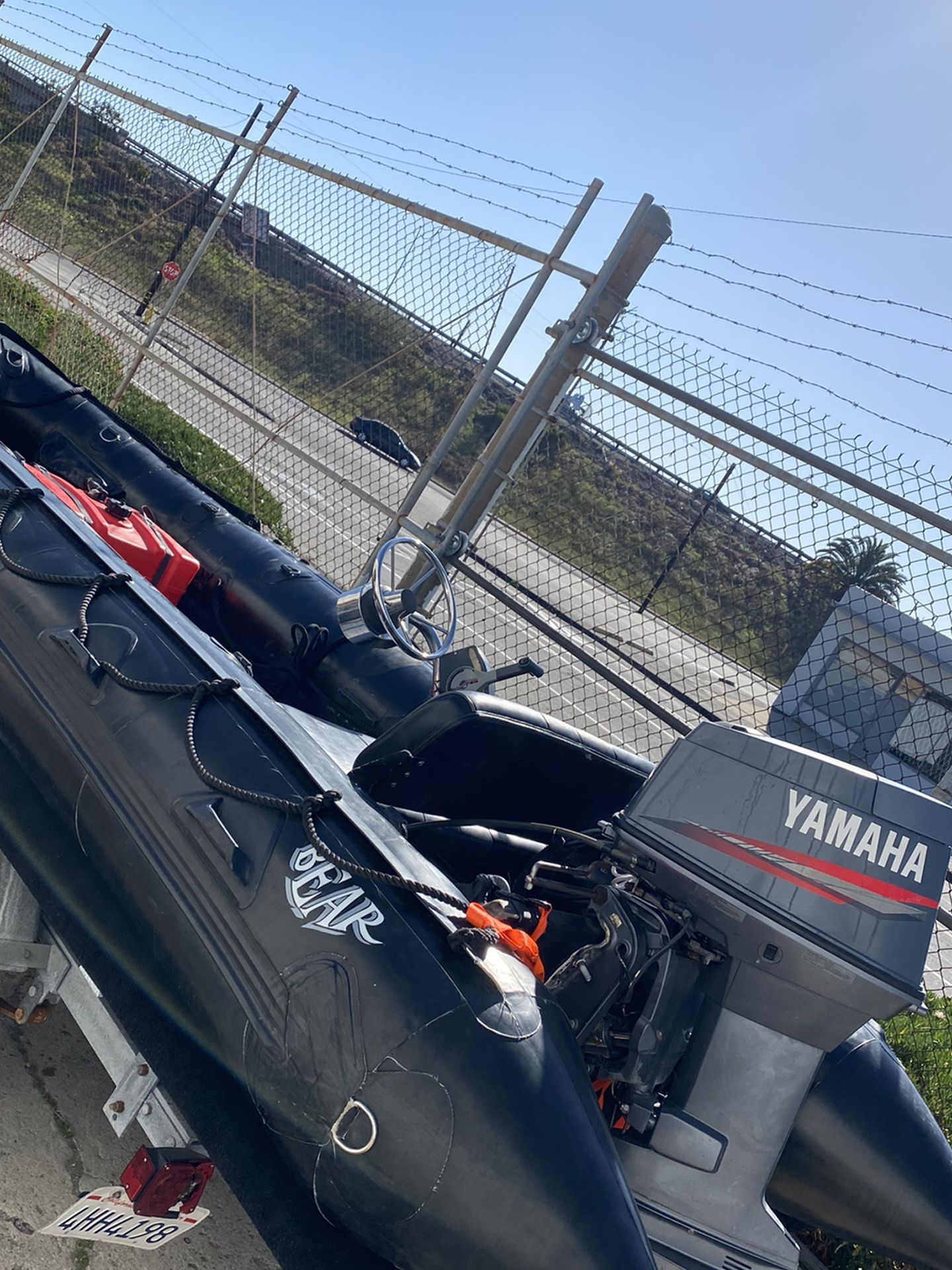 Photo Zodiac FC470 Milpro 15 Inflatable With 60hp Yamaha 2 Stroke