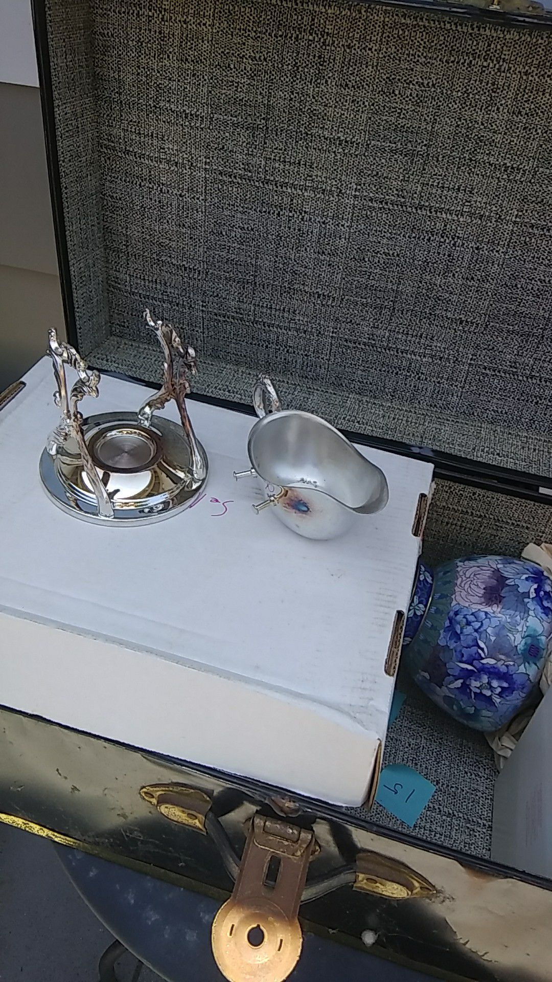 Silver plated gravy boat (local)