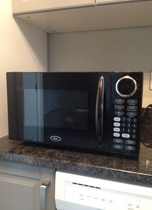 Oster Microwave(Black) for Sale in Columbus, OH