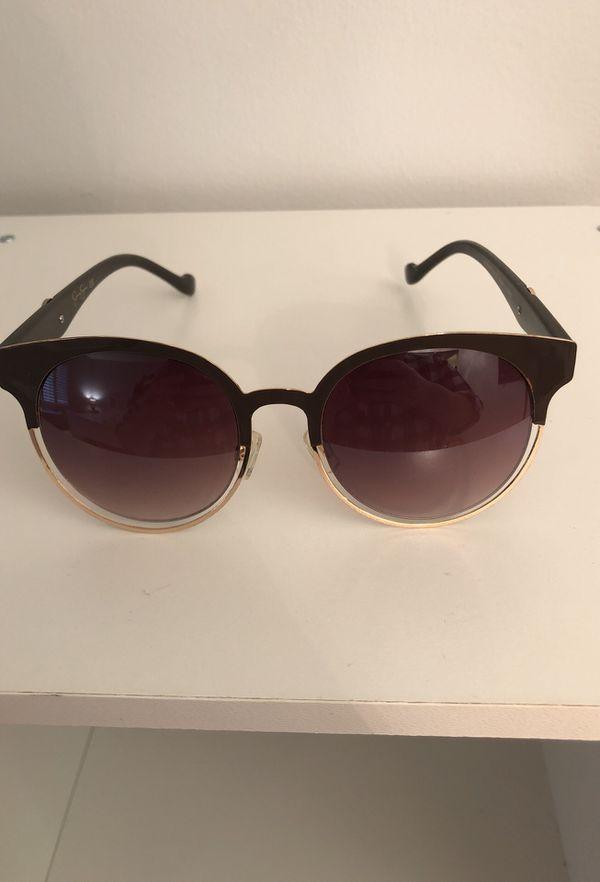 d49de75280 Jessica Simpson Sunglasses for Sale in Chicago
