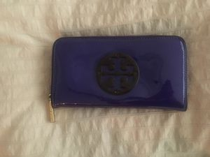 Tory burch wallet for Sale in Orlando, FL