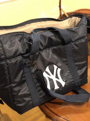 New York Yankees cooler traveler duffel bag for Sale in Los Angeles, CA