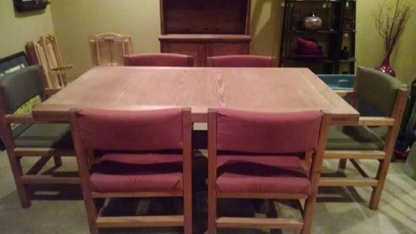 This End Up Dining Table And Chairs