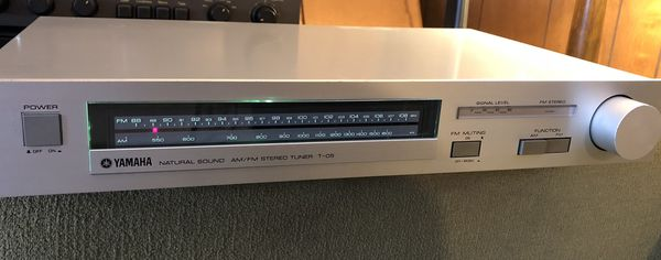 YAMAHA AM/FM Tuner T-05 vintage radio receiver for Sale in
