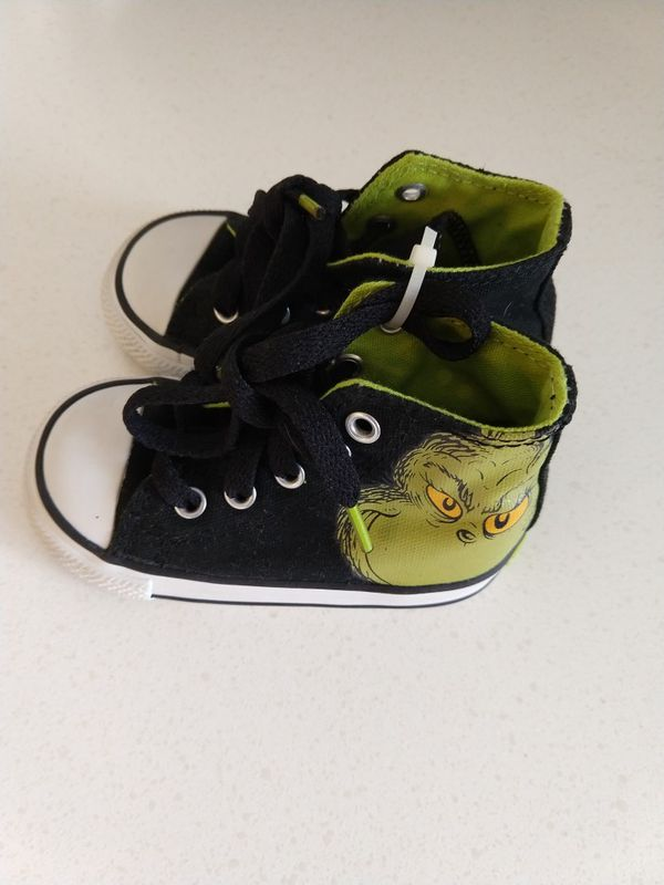 3663977bd488ae Dr. Seuss  The Grinch  Converse shoes for Sale in Beaverton