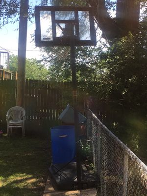 Basketball hoop for Sale in University City, MO
