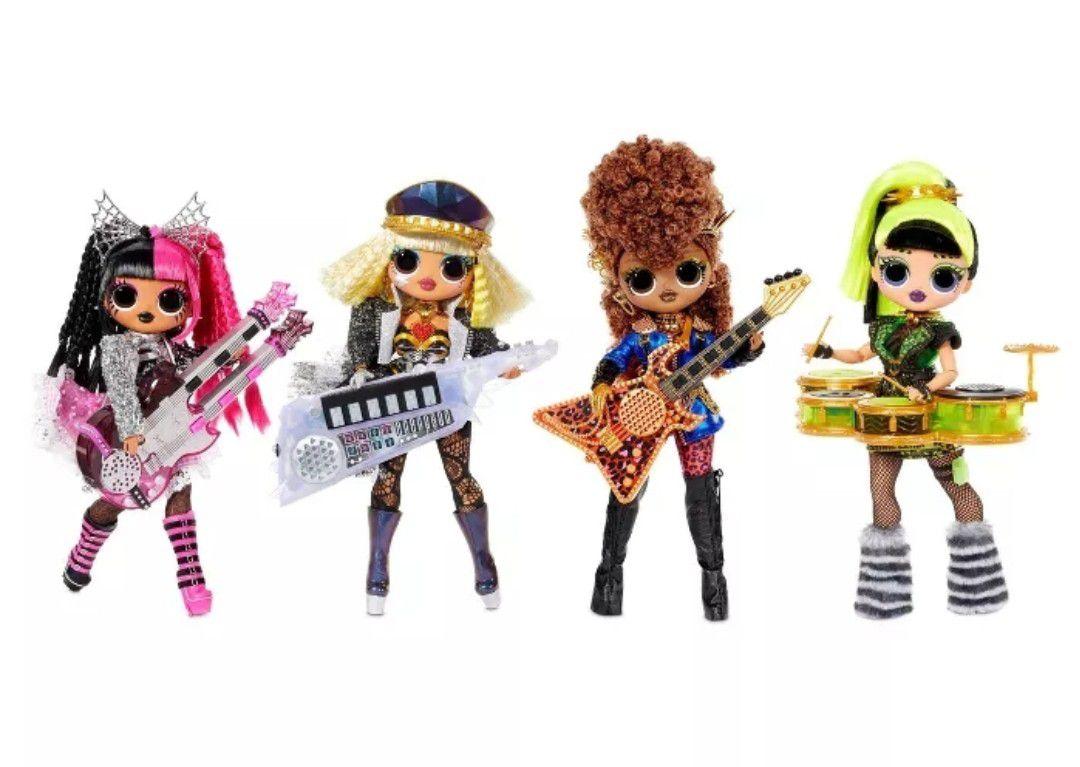 L.O.L. Surprise! O.M.G. Remix Super Surprise – 70+ Surprises, 4 Fashion Dolls & 4 Dolls