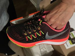 60aed4fefa08 Nike zoom vomero 10 running shoes women 6.5 for Sale in Downey