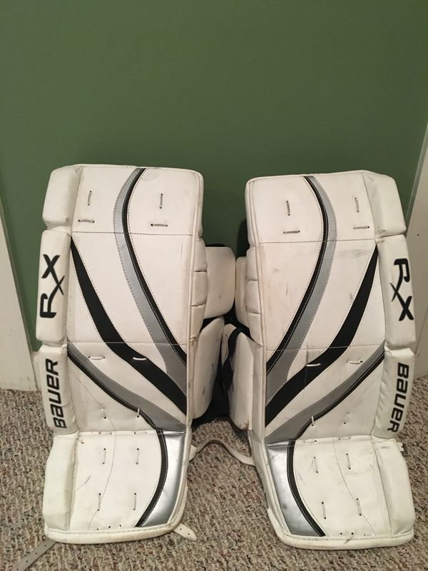 """26"""" Bauer Youth Goalie Pads for Sale in Elmhurst, IL - OfferUp"""