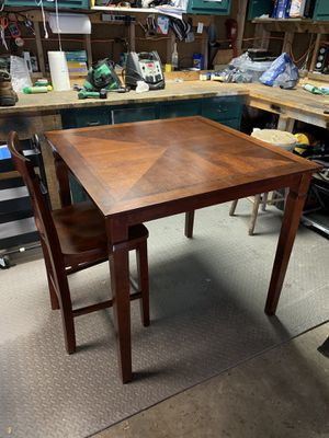 High top dining room table and chairs for Sale in Midlothian, VA