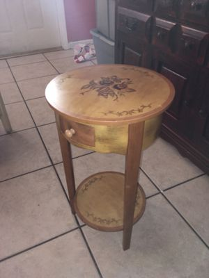 End table for Sale in Lauderhill, FL