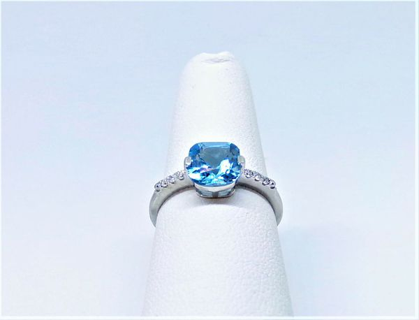 10K WHITE GOLD MICHAEL C. FINA LONDON BLUE TOPAZ AND DIAMOND RING SIZE 6