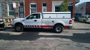 Ford f-150 XLT Triton/with Utility cap back for Sale in Baltimore, MD