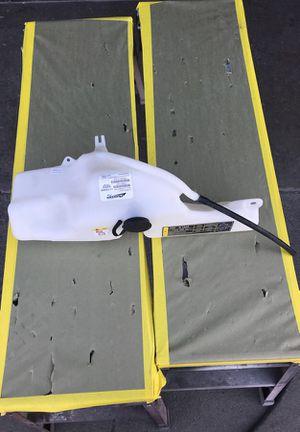 2007 Ford Explorer cooling reservoir for Sale in Hayward, CA