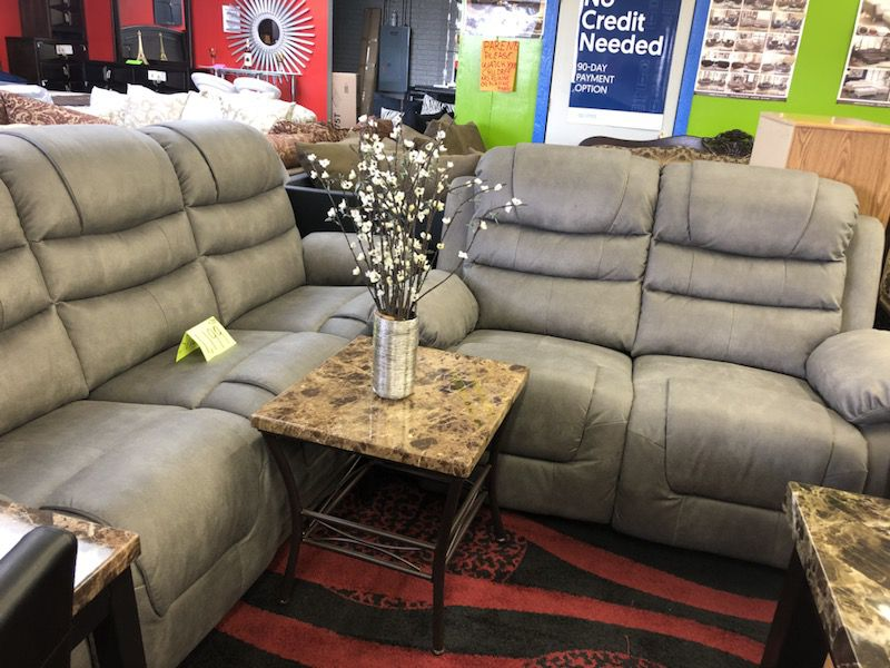 Sofá and love set recliner new for $1199