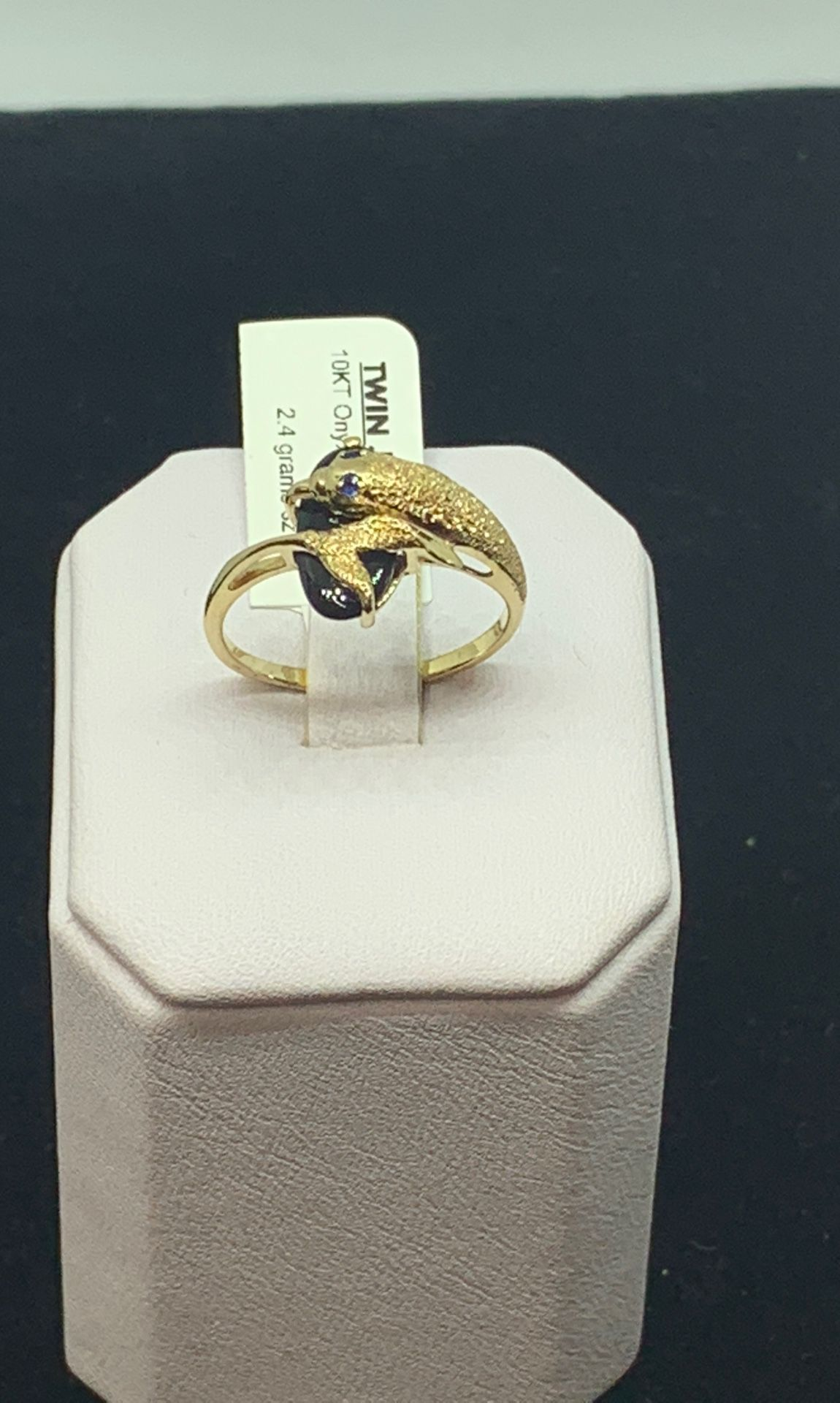 10kt women's gold ring with onyx/sapphire ring available on special price