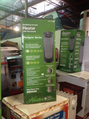 Hunter oscillating ceramic heater with thermostat designer series for Sale in Phoenix, AZ