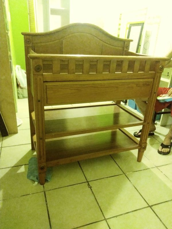 Chanching table /mueble para cambiar bebe (Baby & Kids) in ...