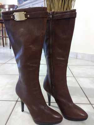 MICHAEL KORS WOMEN'S BOOTS for Sale in Fort Myers, FL
