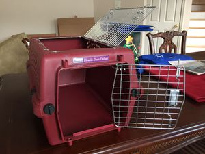 Small Dog / Pet / Cat Carrier / Crate ( read the description for more info ) for Sale in Laurel, MD