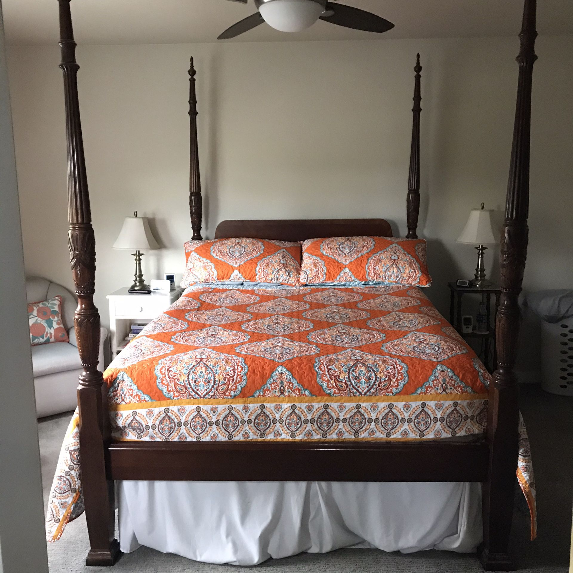 Queen bed frame almost new