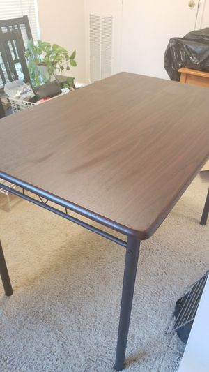 4 person dining table for Sale in Falls Church, VA