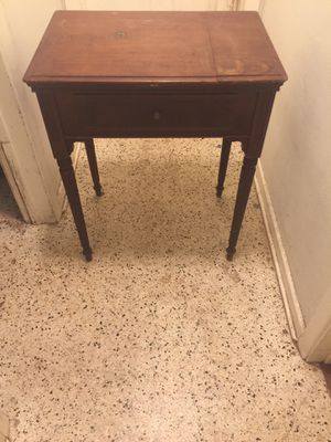 1938 Electric Singer Sewing Machine w/ table works perfect for Sale in Palmetto, FL