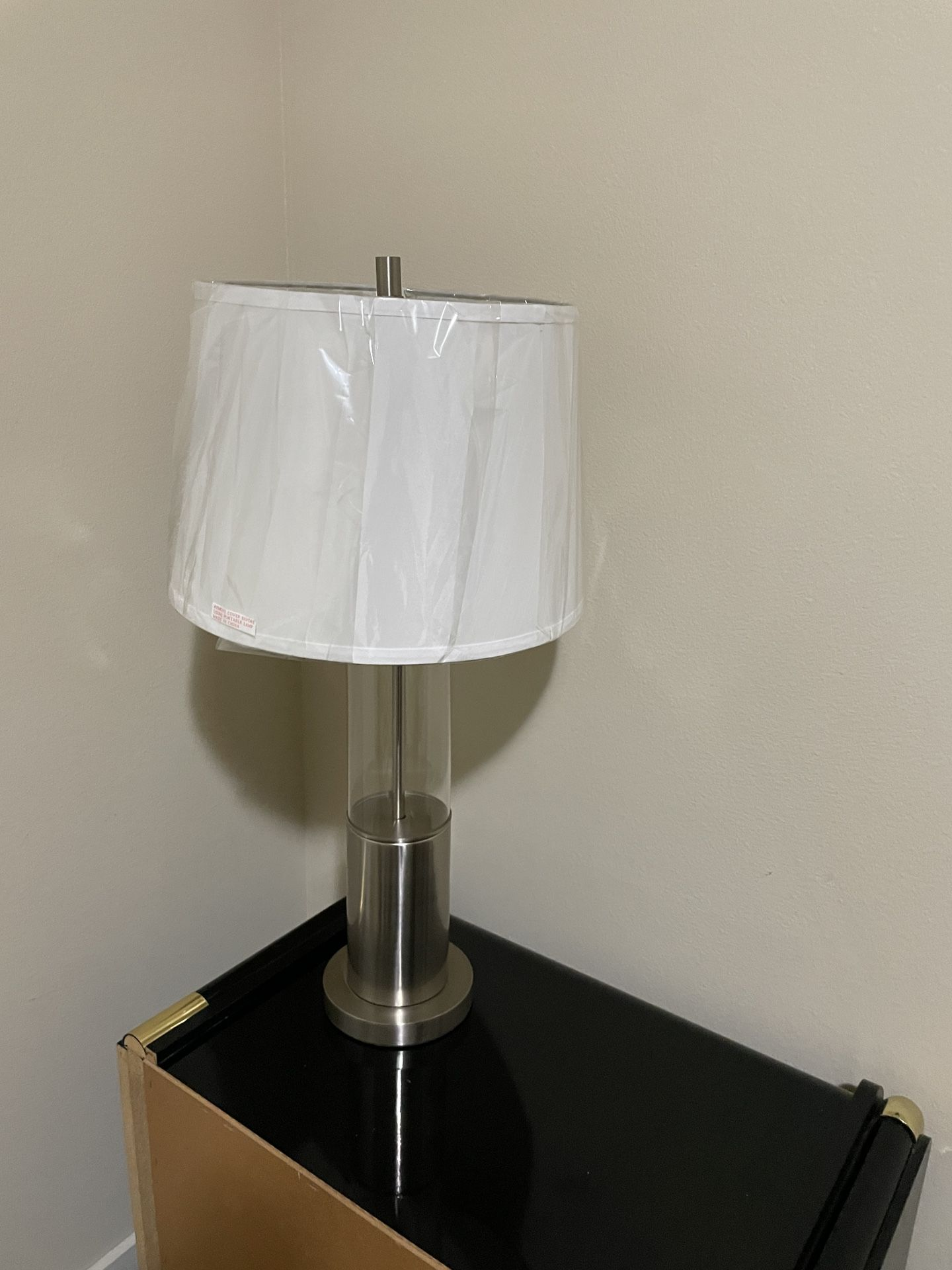 2 Bedside Lamps