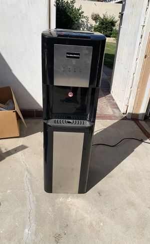 5 gallon water cooler for Sale in Inglewood, CA