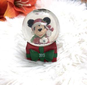Photo Collectible Disney Mickey Mouse 2013 Christmas snow globe