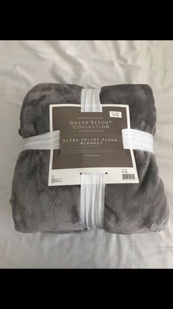 Velvet blankets for Sale in Newark 90f22dd25