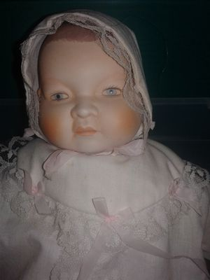Antique Doll, baby with bonnet, under garments, gowns and a beautiful face for Sale in Florence, AL