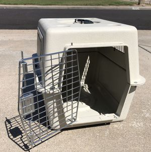 Photo Medium size dog/cat kennel crate cage carrier 20 x 13 x 15 excellent condition airline approved. Bell Road and 35th Ave.