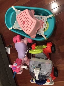 Baby Toys, Bathtub And Breast Pump For Free Thumbnail