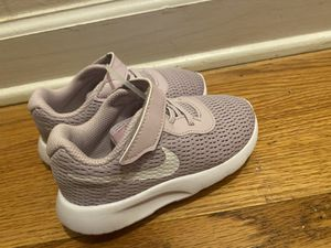 Photo Toddler Nike's size 7