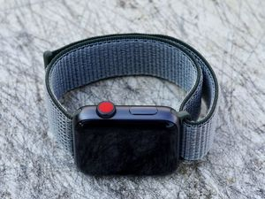 Apple Watch Series 3 42mm GPS + LTE Space Gray for Sale in Orlando, FL