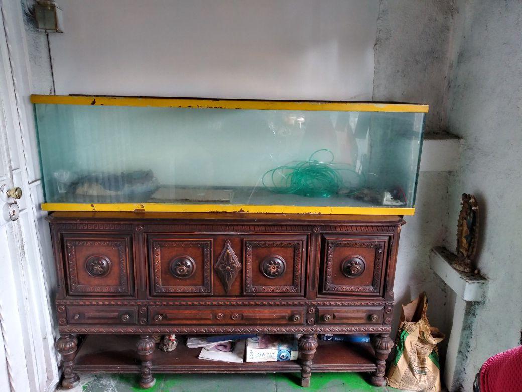 Soda macine and fish tank all for 300 OBO
