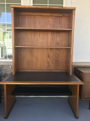 Computer Writing Desk With Bookshelf Can Be Separated For Transport In
