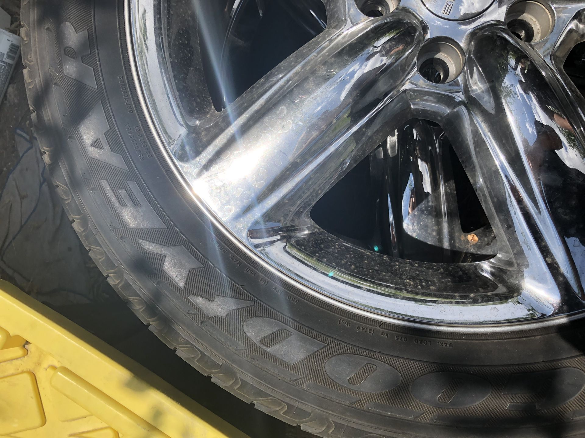 2 !!! 20 inch Dodge Durango wheels and tires 265/50/r20