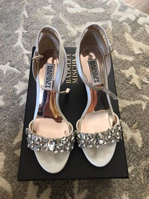 Badgley mischka Tyra- ivory satin for Sale in Portland, OR