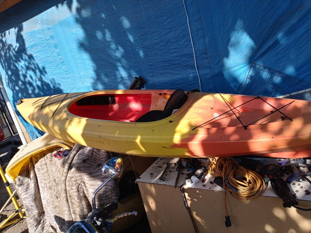 Photo Brand New Kayak Only Used Once