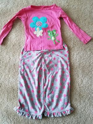 Girls clothes Carters velour pajama set size 2T almost new - $5 for Sale in Potomac, MD