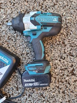 Makita 18-Volt LXT Lithium-Ion Brushless Cordless High Torque 1/2 in. Square Drive Impact Wrench w/ (1) Battery And Charger. Thumbnail