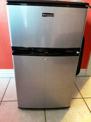 Emerson mini fridge for Sale in Fort Worth, TX