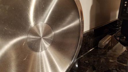 Metal fruit bowl Thumbnail